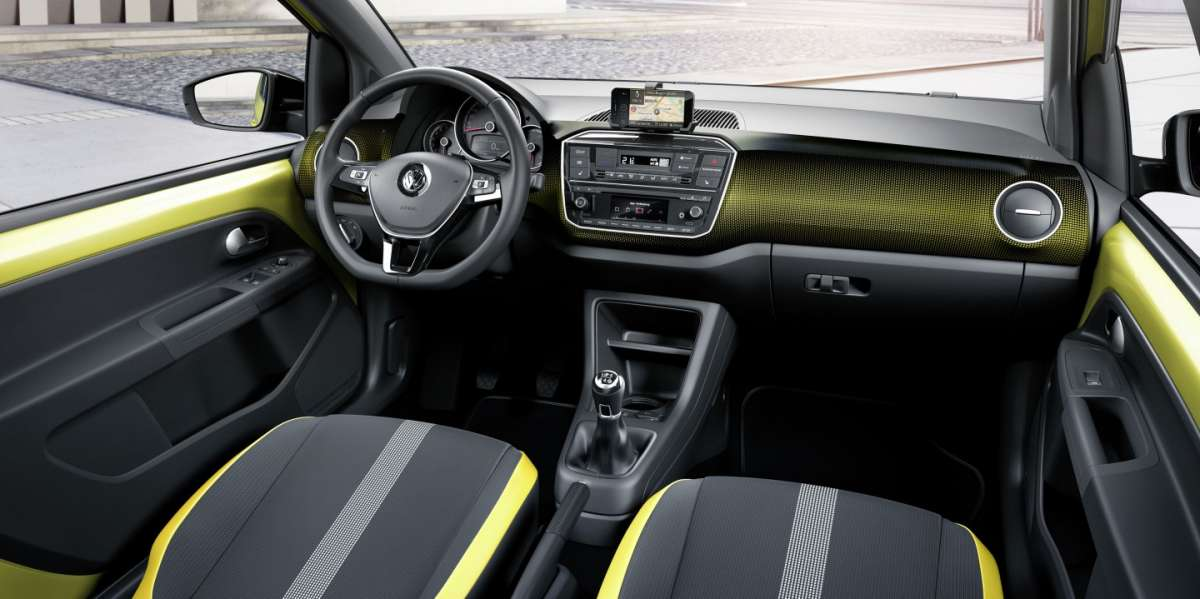 volkswagen-up-2016-interni